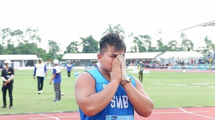 Rafika Putra Sumbang Emas Kelima dari Atletik untuk Sumbar, Pecahkan Rekor PON Nomor Lontar Martil