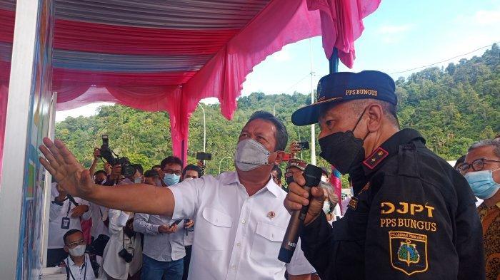 Temui Nelayan di Pelabuhan Perikanan Samudera Bungus, Menteri Trenggono Singgung Soal Alat Tangkap