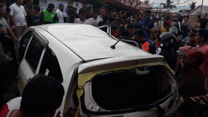 Tabrakan Kereta Api Vs Calya Putih di Padang, 1 Orang Tewas dan 2 Luka, Mobil Terseret 25 Meter