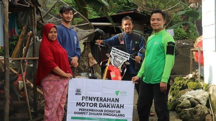 Dompet Dhuafa Singgalang Bantu Satu Sepeda Motor, Permudah Akses Hingga Pelosok Mentawai