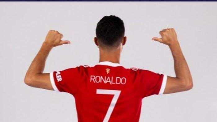 Cristiano Ronaldo Dapatkan Jersey Identik CR-7, Tukaran Edinson Cavani kembali Pakai Nomor 21