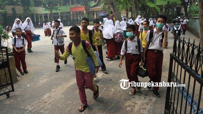 BREAKING NEWS: Udara Dharmasraya di Level Tidak Sehat, Libur Sekolah Diperpanjang 2 Hari ke Depan