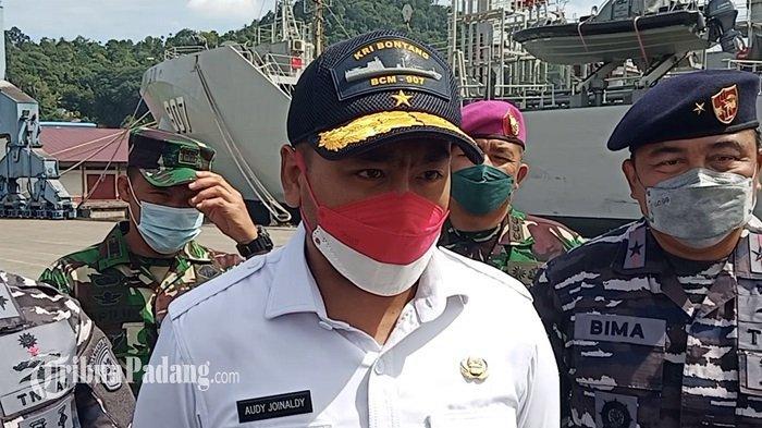 Wagub Audy Curhat Naiki KRI Bontang 907: Infokan! TribunPadang.com & Medsosnya, Vaksinasi di Kapal