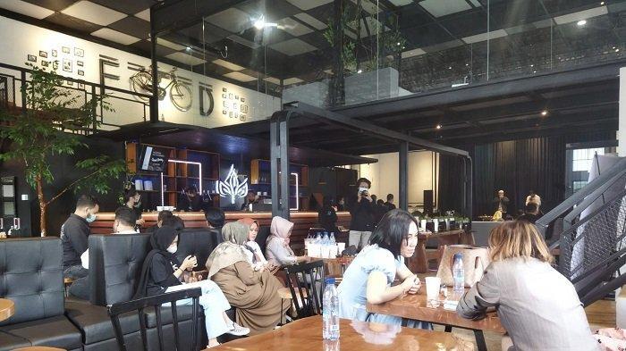 Tempat Ngopi Baru di Kota Padang, Noerbaya Coffee and Bistro Hadir denganStruktur Bangunan Kota Tua