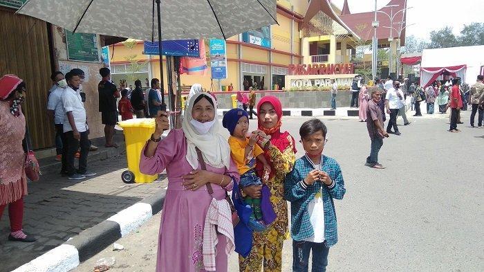 Warga Pariaman Antusias Sambut Wapres Maruf Amin di Pasar Rakyat, Menunggu dari Pukul 7 Pagi