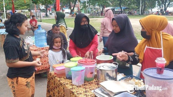 Pedagang Pasar Pabukoan Siti Nurbaya Kota Padang Tawarkan Takjil, Harga Mulai Rp 1 ribu
