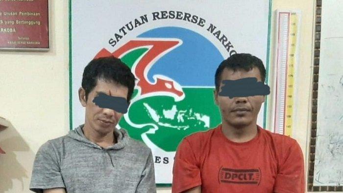Dua Orang Lelaki Lintau Buo, Tanah Datar Kedapatan Simpan Sabu di Dalam Dompet
