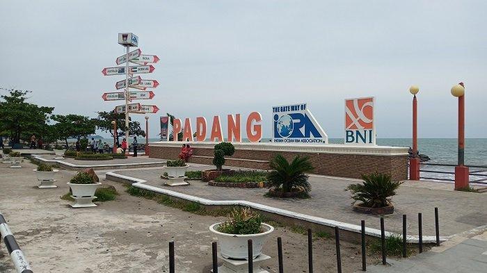 TRIBUNWIKI: 4 Tempat yang Wajib Kamu Kunjungi Kalau Berwisata ke Pantai Padang