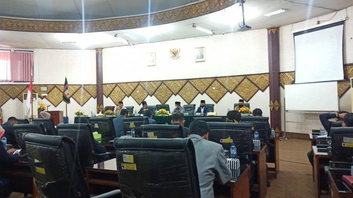 DPRD Padang Sahkan Ranperda Perubahan Perda Tentang Pembentukan Susunan Perangkat Daerah