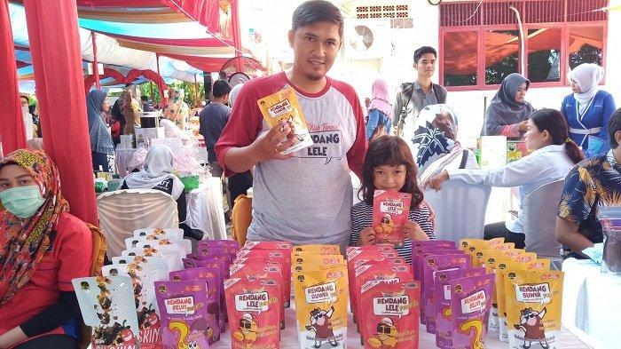 Ada Rendang Lele Seharga Rp 35 Ribu per Pack di Pasar Murah di Kota Padang