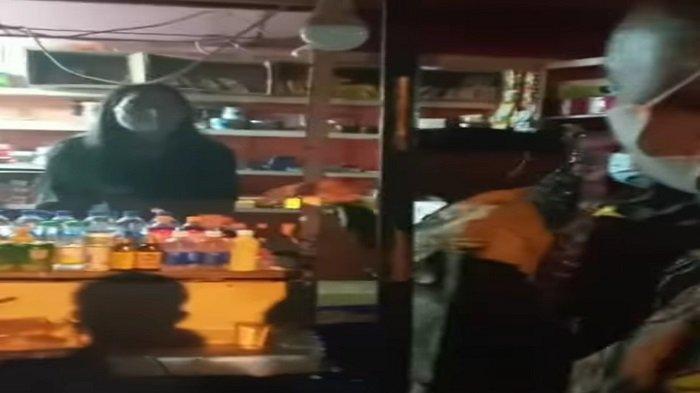 VIRAL Video Cekcok Petugas dan Pedagang Pasar Raya saat Patroli PPKM Darurat, Sarah: Saya Komplain
