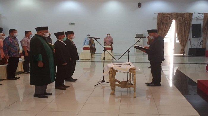 Gubernur Mahyeldi Lantik Dua Pejabat, Pimpinan Tinggi Pratama di Lingkup Pemprov Sumbar
