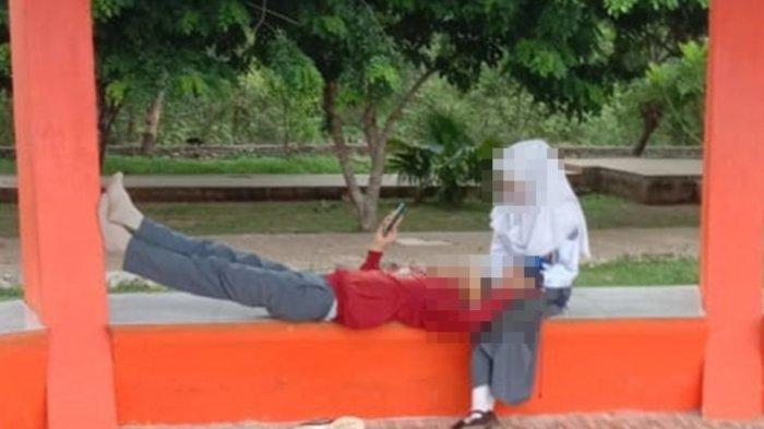 Sepasang Pelajar Terciduk Bermesraan di Taman Kota, Luangkan Waktu Bolos Sekolah Demi Berduaan
