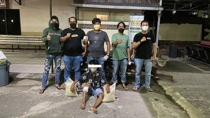 Tim Klewang Tembak Pelaku Pencurian yang Bongkar Isi Kios Bernilai Rp 100 Juta di Padang