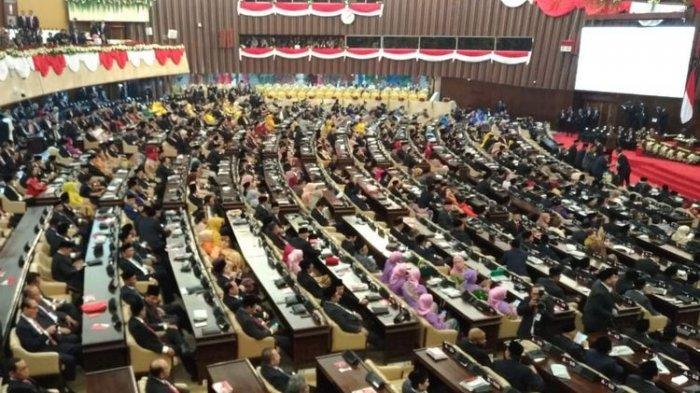 SBY-Boediono dan Megawati-Hamzah Haz Berdampingan Masuki Ruangan Pelantikan