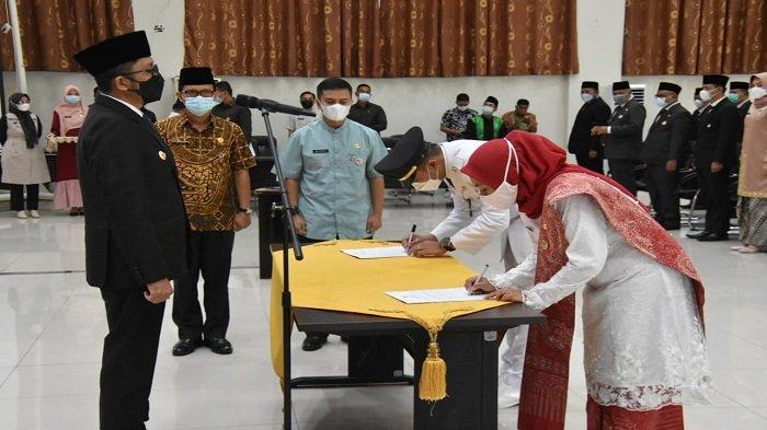 Pelantikan Pejabat Eselon III dan IV Pemko Padang