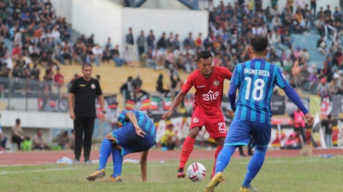 Semen Padang FC Perpanjang Libur Pemain Akibat Covid-19,Eduardo Almeida Pilih Pulang ke Portugal