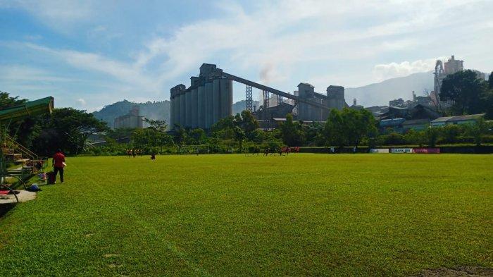 'Ritual' Mandi Es Setelah Latihan, Pemain Semen Padang FC Langsung Masuk Tong Setinggi 1 Meter