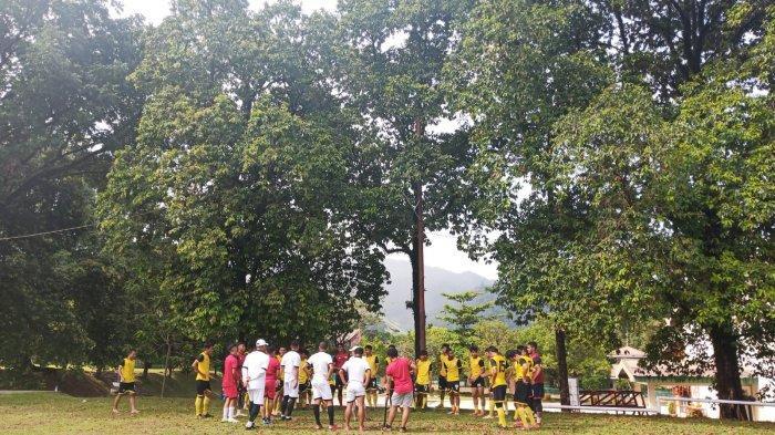 Latihan Bersama 3 Kali Seminggu, Pelatih Semen Padang FC Fokus Kembangkan Kemampuan Taktikal Pemain