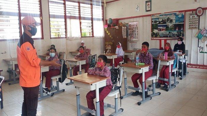 Ada 2 Persen Siswa di Padang yang Tetap Belajar Daring, Kadisdik: Bukan Tak Dizinkan tapi . . .
