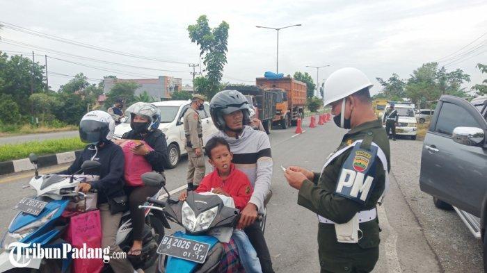 Hari Pertama PPKM Darurat Padang Sudah 100 Kendaraan Disuruh Putar Balik di Pos Penyekatan Bungus