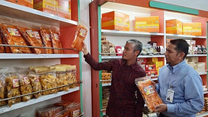 Kisah Lukman El Hakim Nasabah Mandiri Syariah,Sukses Produksi Keripik Singkong dengan Modal Rp1 Juta