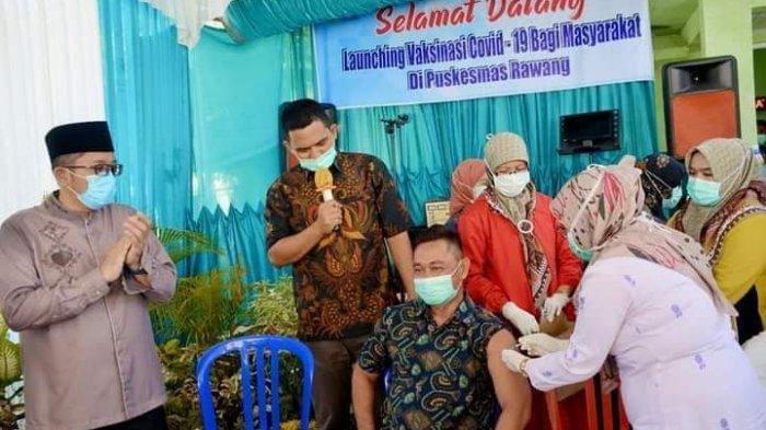 Pemko Padang Mulai Vaksinasi Kelompok Lansia, Diawali di Puskesmas Rawang Target 5 Ribu Warga