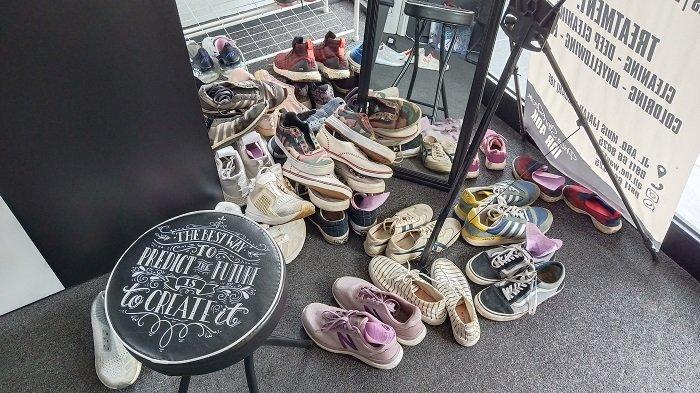 Pasca Lebaran Shoes Care Kebanjiran Orderan, Bisa Mencuci Semua Jenis Sepatu