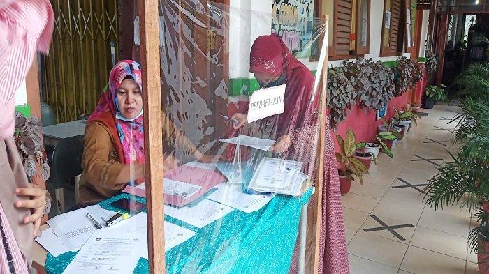 PPDB SD Padang 2021, Kepala SD 01 Sawahan: Orang Tua Banyak Tak Penuhi Persyaratan