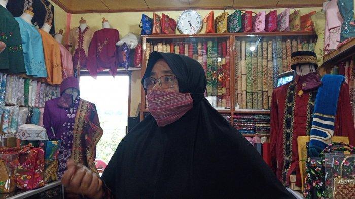 Pengusaha Songket Pandai Sikek Mengadu ke Sandiaga Uno, Wisatawan Jarang Tiket Mahal & Bagasi Bayar