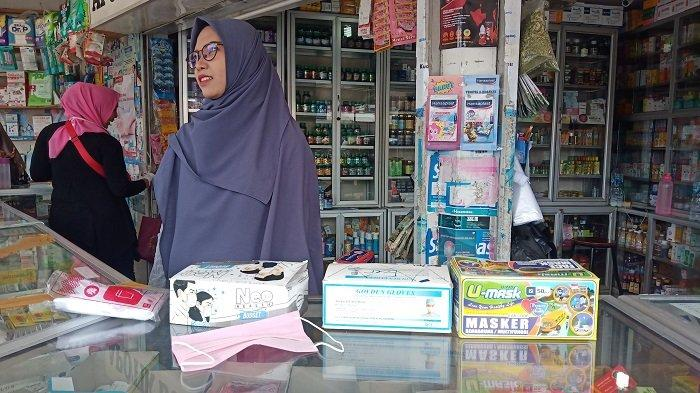 POPULER PADANG - Dampak Virus Corona, Masker Jadi Langka| Pohon Tumbang Timpa Dua Warung