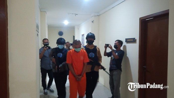2 Kali Kirim Narkoba Jenis Ganja dari Medan, Polisi Bekuk Terduga Pelaku di Padang Pariaman