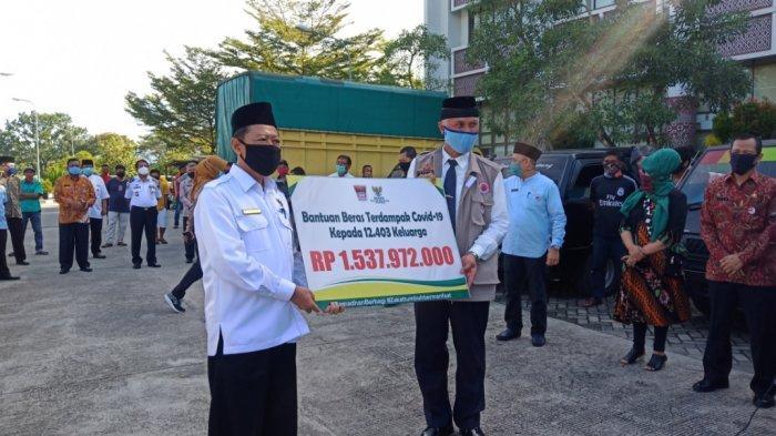 Baznas Kota Padang Salurkan Beras untuk 12.403 Keluarga, Masing-masing 10 Kilogram