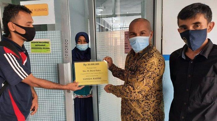 Anggota DPR Darul Siska Bantu Bayi Pengidap Penyakit Langka di RSUP M Djamil Padang