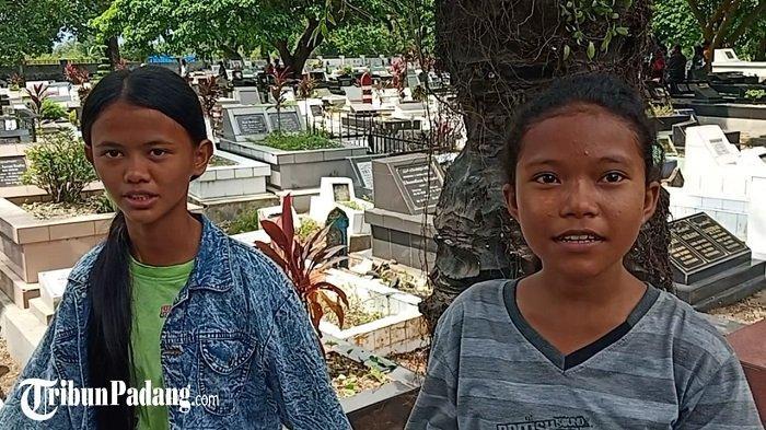 Anak-anak Ikut Bersihkan Makam di TPU Kota Padang, Aulia: Ada yang Memberi Rp 5 Ribu