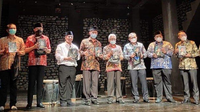Yayasan Pusat Kebudayaan Minangkabau Diresmikan, Buku Saudagar Emas Minangkabau Diluncurkan