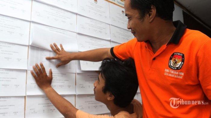 KPU Tetapkan DPTPilkada Dharmasraya 145.383 Orang, Pemilih Laki-laki dan Perempuan Hampir Imbang