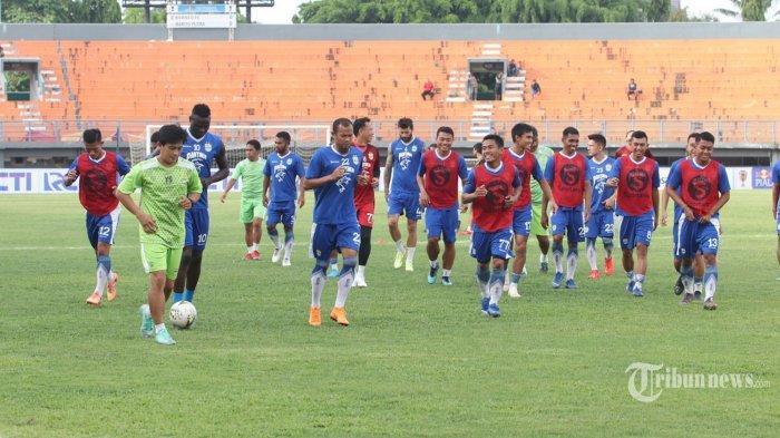 Tiga Posisi yang Dirampingkan Persib Bandung Ada Bek Tengah, Gelandang Tengah dan Winger