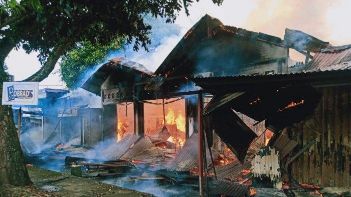 KRONOLOGI Kebakaran 1 Rumah dan 5 Toko di Padang, Api Diduga Berasal dari Praktik Dokter Gigi