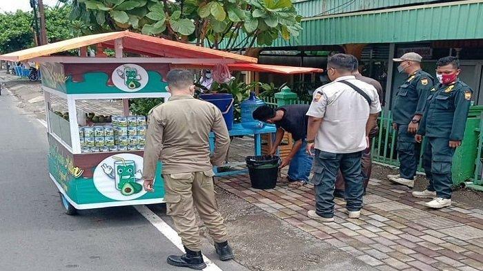 Satpol PP Kota Pariaman Tertibkan Pedagang yang Gunakan Fasilitas Umum, Tetap Ada Kelonggaran