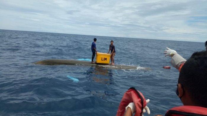 Kapal Nelayan di Mentawai Terbalik Setelah Dihantam Gelombang, Jasman dan Aris Selamat