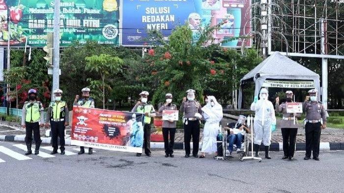 Pocong dan Pasien Covid-19 Turun ke Jalan di Padang, Sosialisasikan Protokol Kesehatan