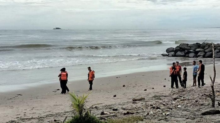 Warga Sungai Limau Tenggelam di Pantai Talao Pariaman, Terseret Ombak Saat Mandidi Laut