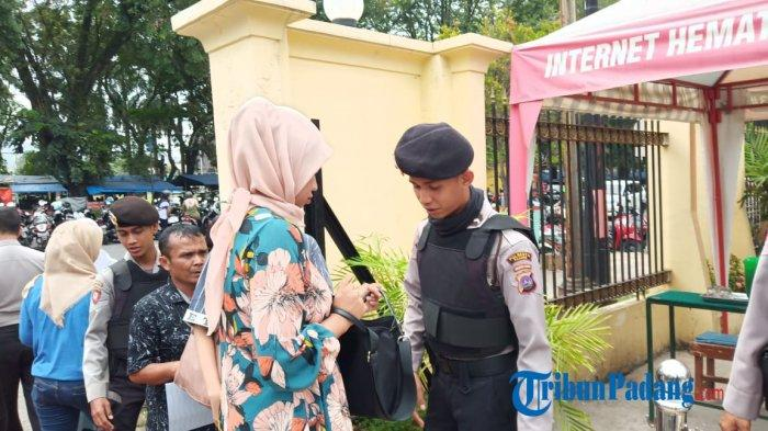 Pos Jaga Polresta Padang Diperkuat Personel tanpa Seragam Polri pasca Ledakan Bom Medan