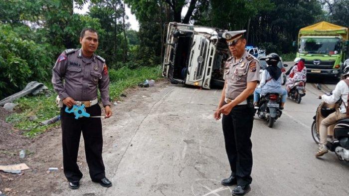 Truk Cangkang Himpit 3 Motor Sekaligus di Jalan Padang - Solok, 3 Tewas, Sempat Tabrak Truk Tangki