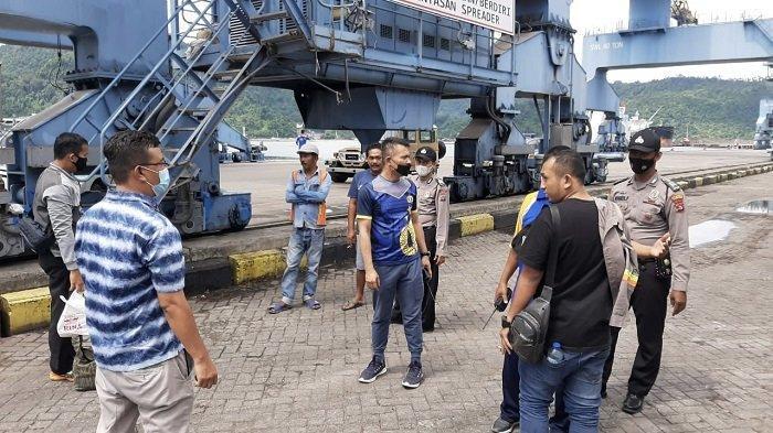 Polisi Ringkus Dua Pria Diduga Melakukan Premanisme di Kawasan Pelabuhan Teluk Bayur Padang