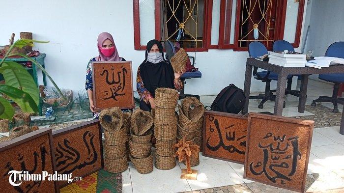 Anak-anak Putus Sekolah di Kota Padang Terampil Bikin Pot Bunga, Kreatif Hasilkan Karya Kaligrafi