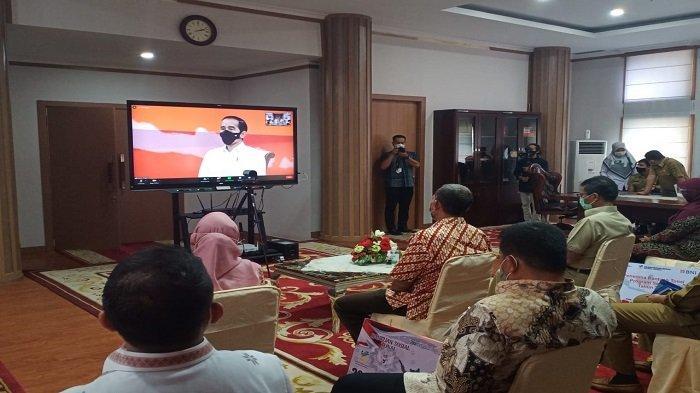 Jokowi Luncurkan Bansos Covid-19, Ini Harapan Gubernur Sumbar Irwan Prayitno