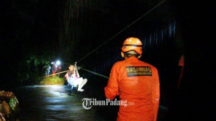 Semua Bocah yang Terjebak Aliran Sungai di Tarantang Padang Dievakuasi dengan Selamat