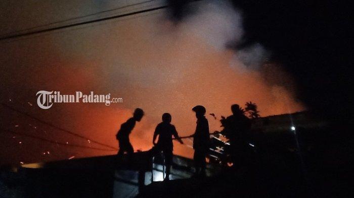Update Kebakaran di Jalan Raya Medan Siteba Padang, Damkar: Objek Terbakar Bangunan Gudang